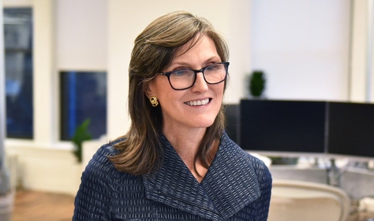 Cathie-Wood-ArkInvest-Bitcoin-500mil-dólares