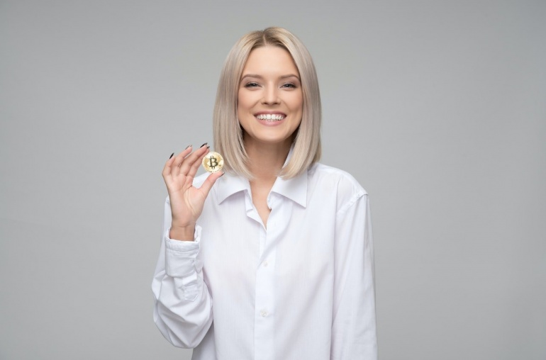 ¿Porqué las mujeres se interesan por las criptomonedas?